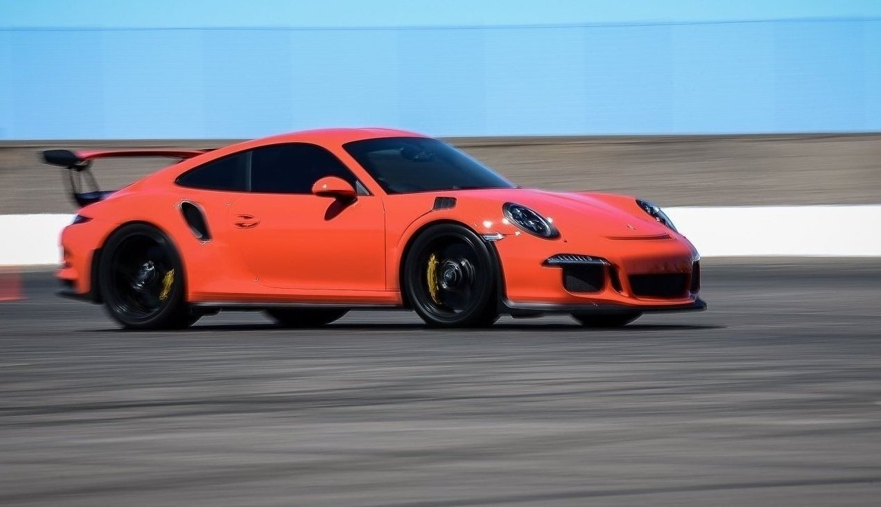 Arizona race track, race tracks in Arizona, luxury car club, apex motorsports, country club race track, private racetrack arizona, APEX club